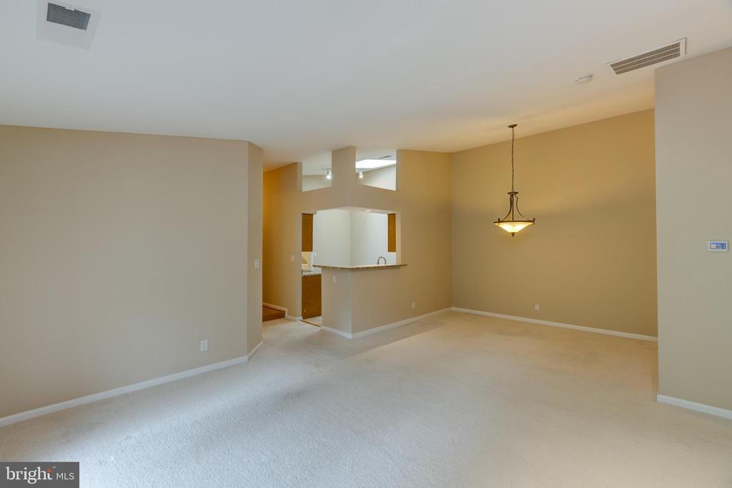 Living room/Dinning room - 7502 ASHBY LN #K, ALEXANDRIA