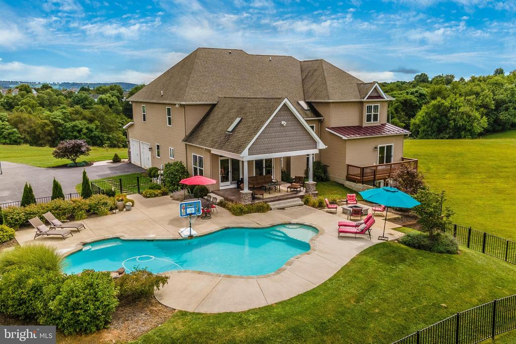 Pool and Patio Rear - 2635 QUEBEC SCHOOL RD, MIDDLETOWN
