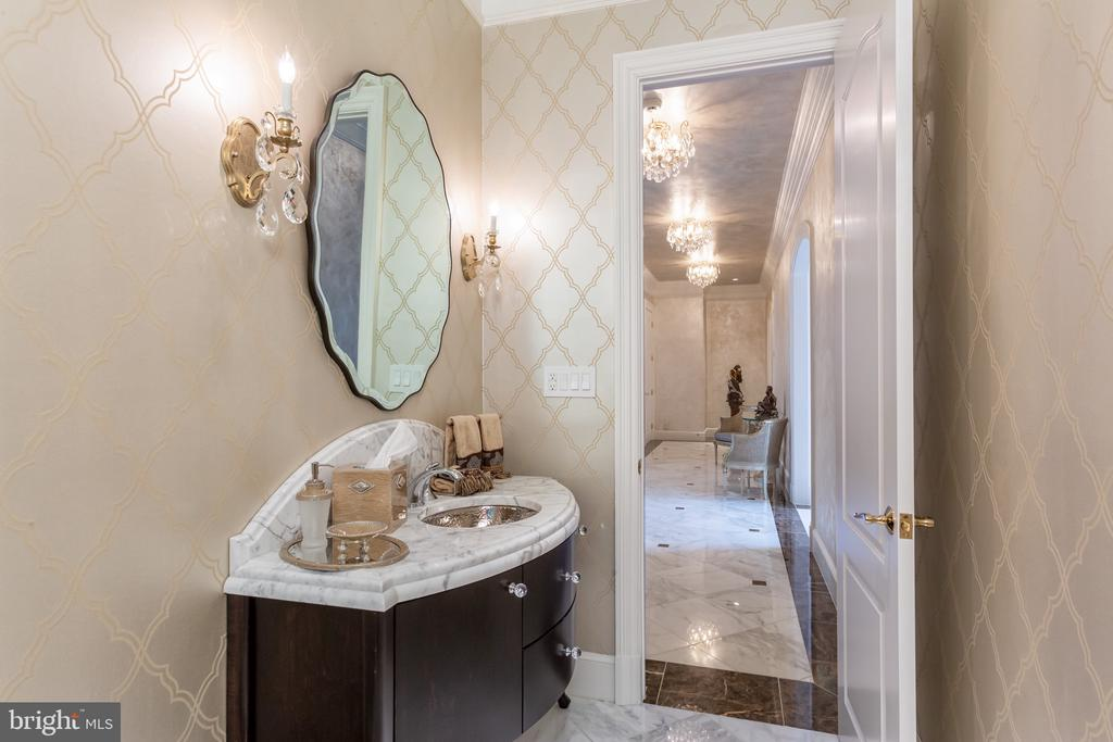 Powder Room - 6822 GEORGETOWN PIKE, MCLEAN