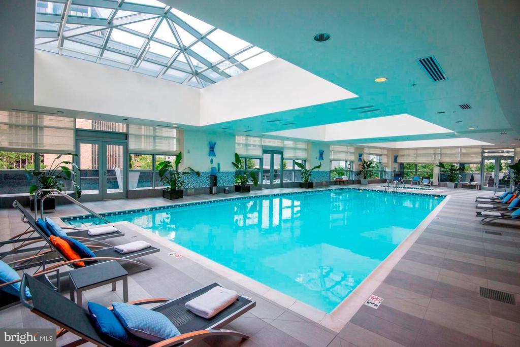 Pool - 1881 N NASH ST #2009, ARLINGTON
