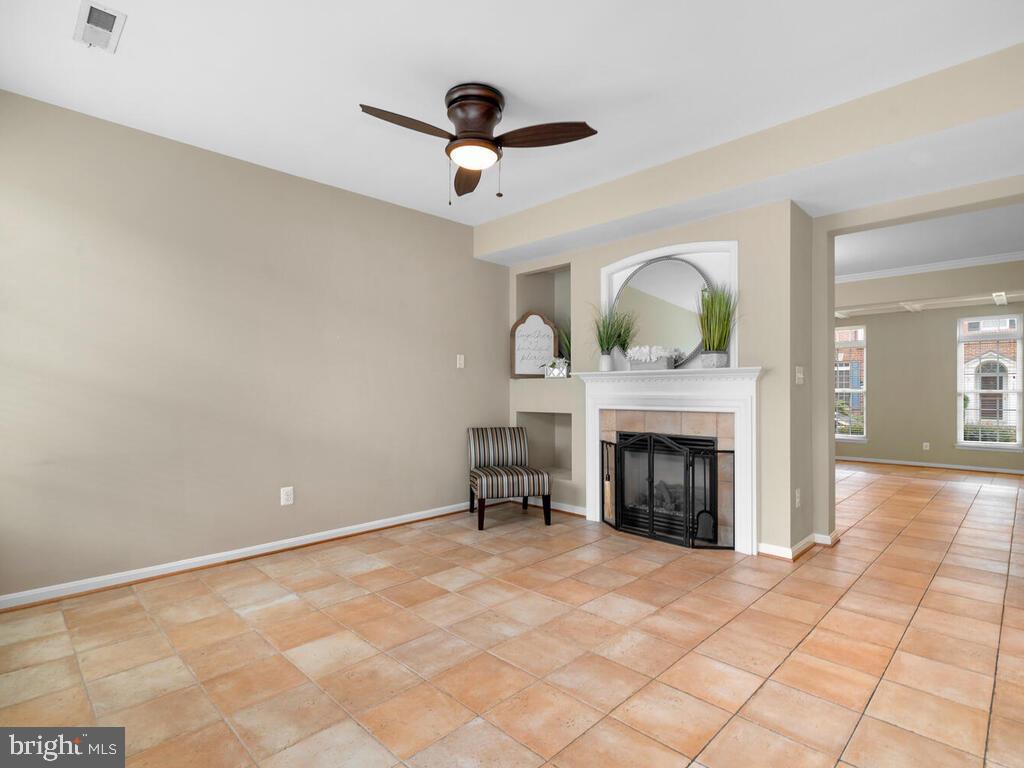 Family Room with Gas Fireplace - 22950 FANSHAW SQ, BRAMBLETON