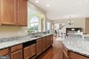 Kitchen adjoins morning room and family room - 22340 ESSEX VIEW DR, GAITHERSBURG