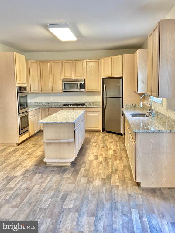 Kitchen - 8 BASKET CT, STAFFORD