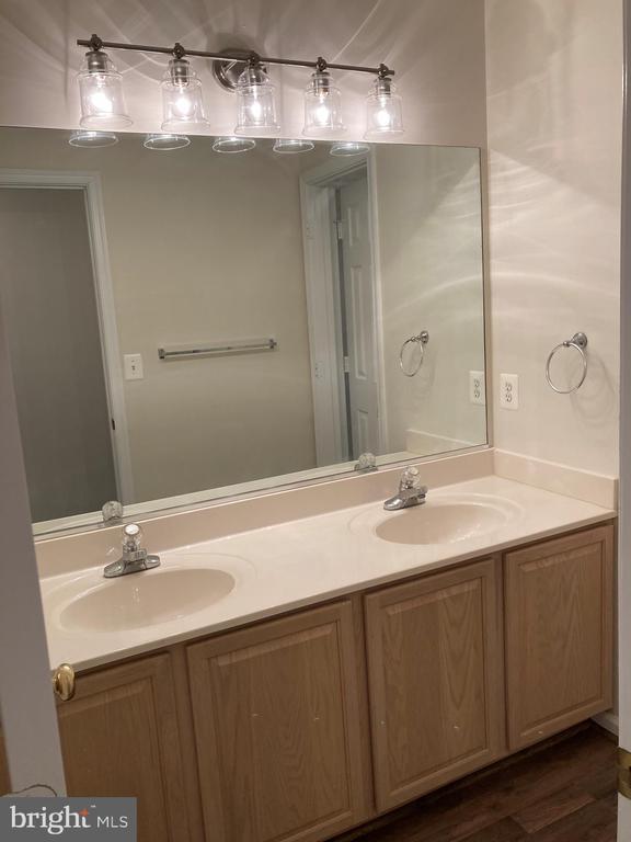 Upper Level - Bathroom - 8 BASKET CT, STAFFORD
