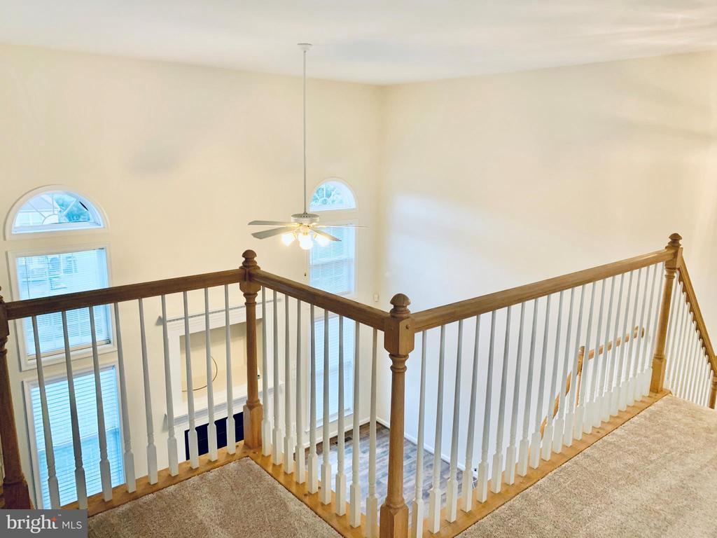 Hallway Overlook - 8 BASKET CT, STAFFORD