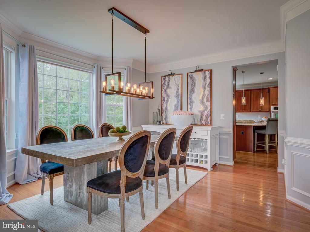 separate dining room with bay window - 16496 CHATTANOOGA LN, WOODBRIDGE