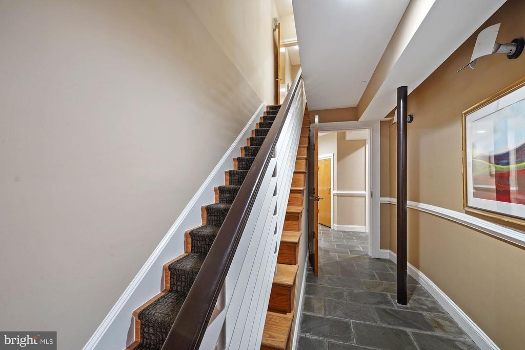 STAIRCASE TO 4 FLOORS - 1314 19TH ST NW, WASHINGTON