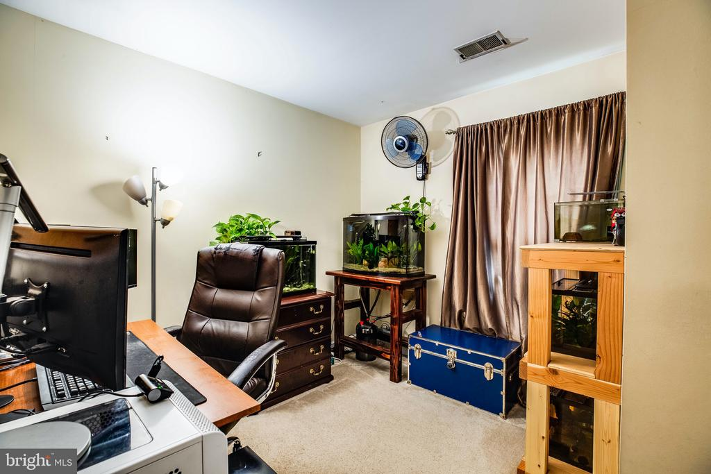 Bedroom 3 or home office space - 10003 GRASS MARKET CT, FREDERICKSBURG