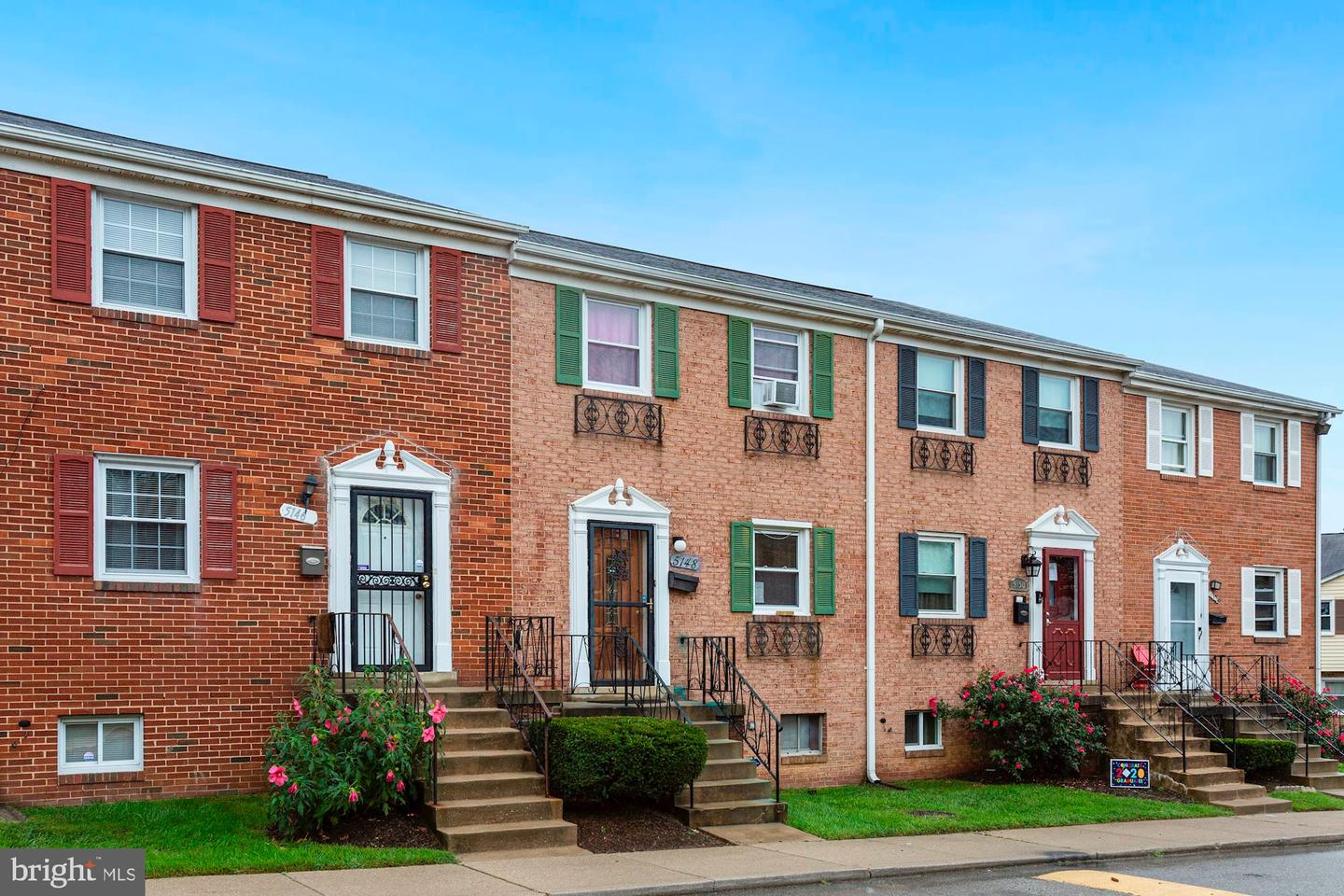 Single Family Homes للـ Sale في Suitland, Maryland 20746 United States