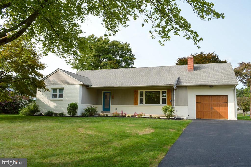 45 CORRY AVE, Lancaster PA 17601