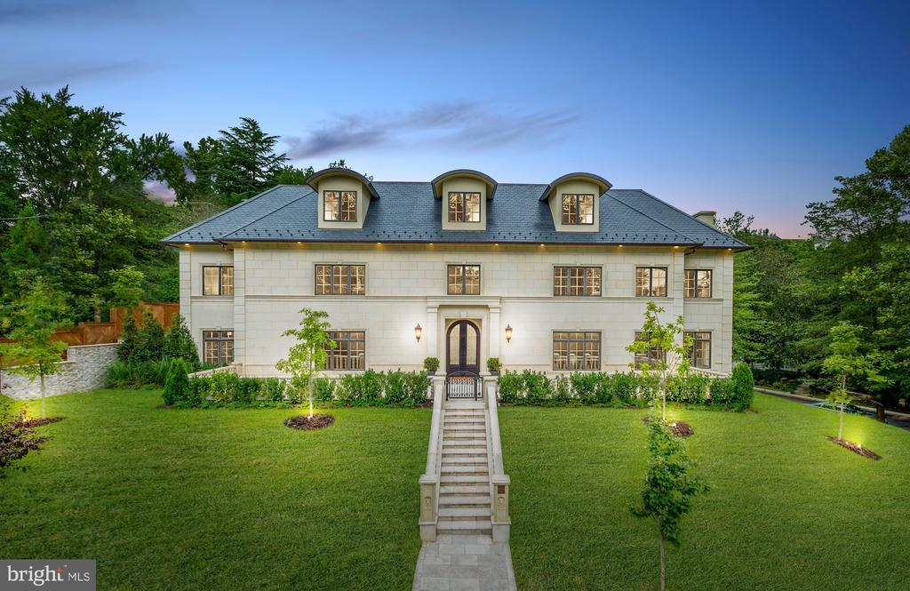 An extraordinary limestone estate - 3301 FESSENDEN ST NW, WASHINGTON