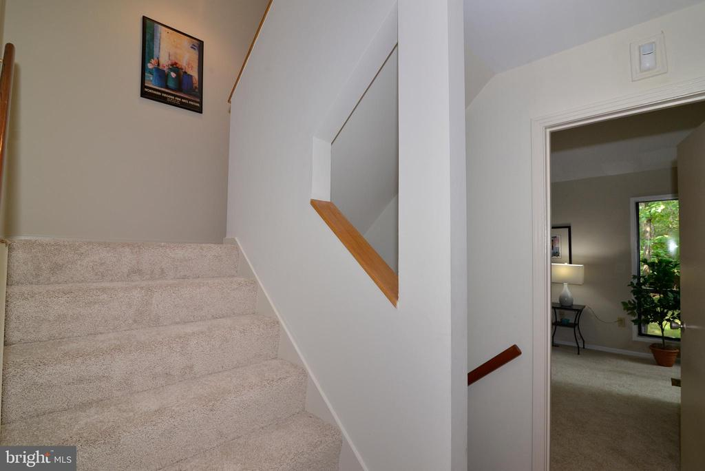 Stairs to upper level - 11137 GLADE DR, RESTON