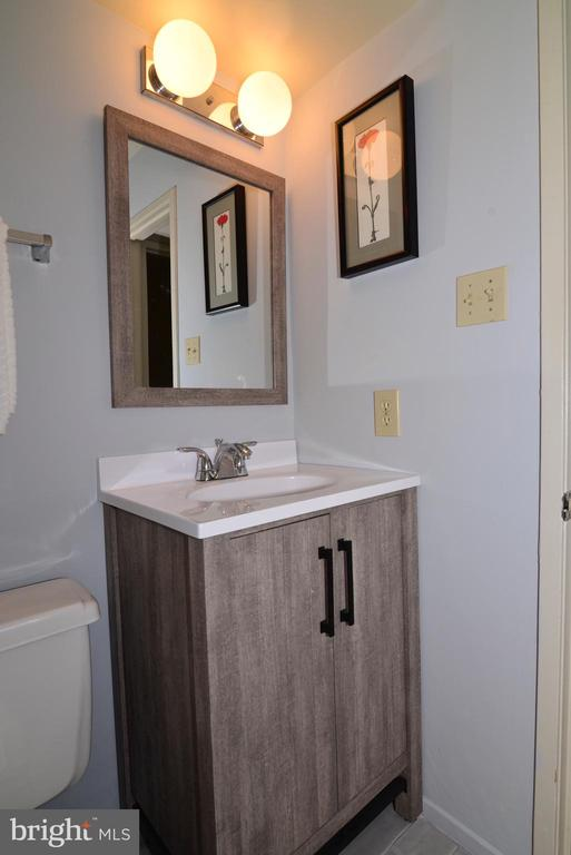 Lower level bathroom - 11137 GLADE DR, RESTON