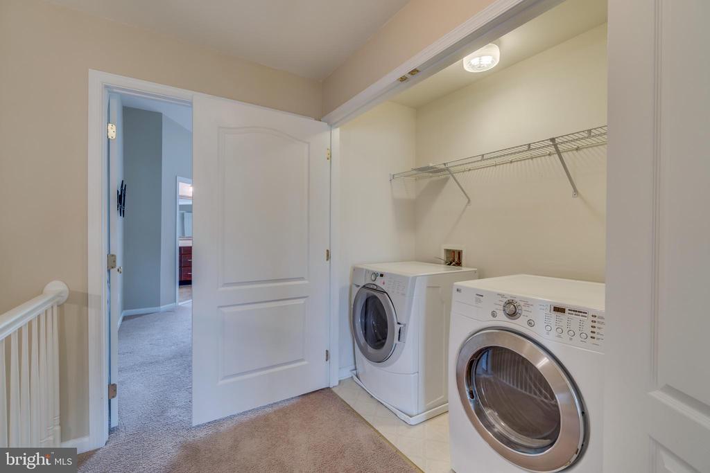 Upper level laundry room - 20024 NORTHVILLE HILLS TER, ASHBURN