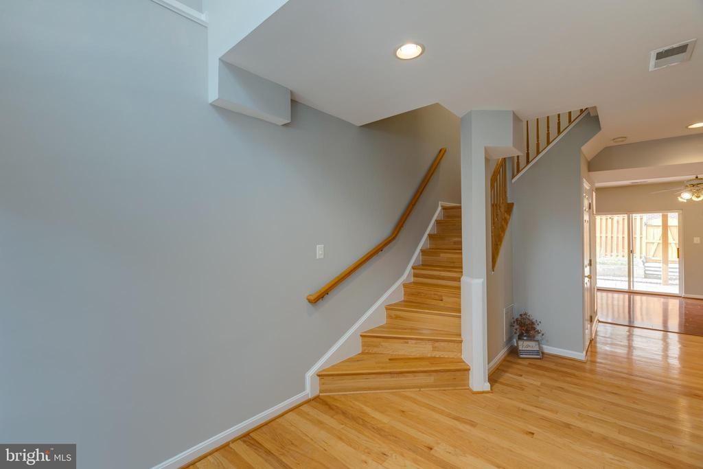 Hardwood flooring - 4772 BIDEFORD SQ, FAIRFAX