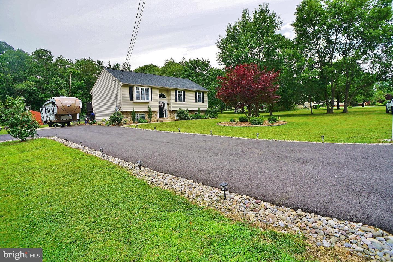 Single Family Homes pour l Vente à Elmer, New Jersey 08318 États-Unis