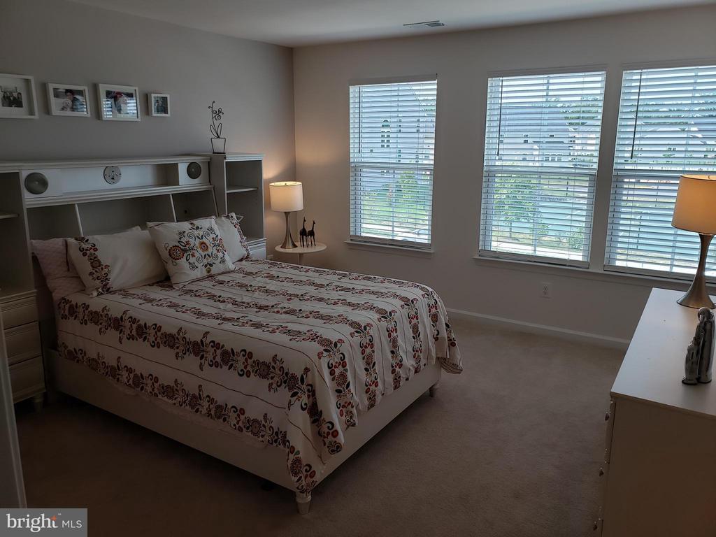 BEDROOM 3 W/ 3 WINDOWS - 12409 MAYS QUARTER RD, WOODBRIDGE