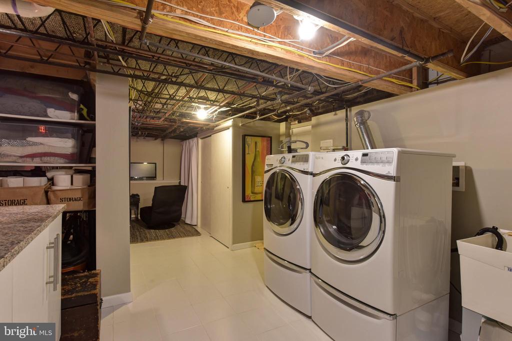 Lower Level Laundry - 3301 ALABAMA AVE, ALEXANDRIA