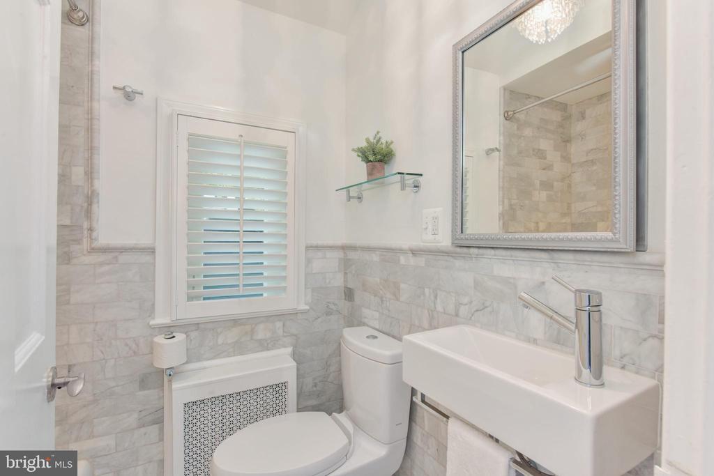 Full Bath - 3301 ALABAMA AVE, ALEXANDRIA