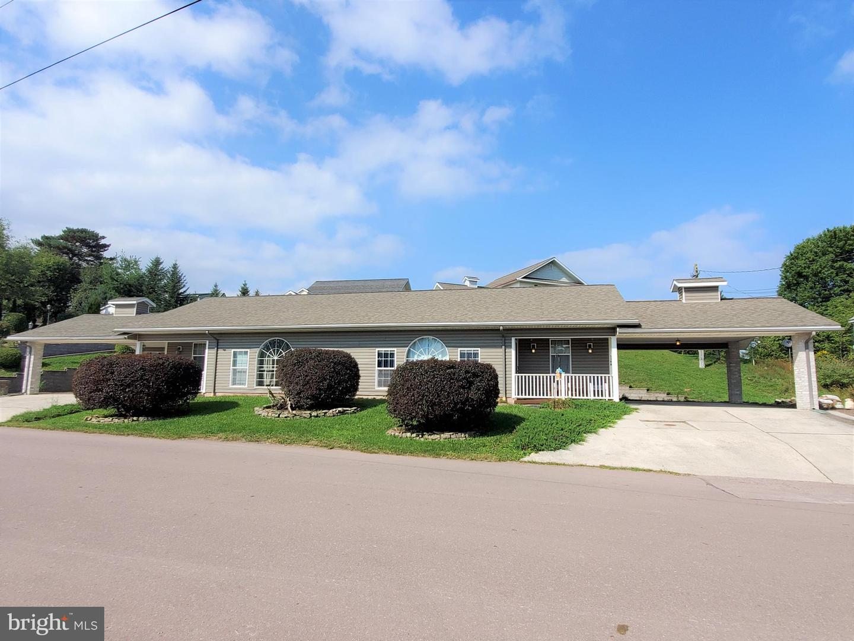 Duplex Homes 為 出售 在 Grantsville, 馬里蘭州 21536 美國