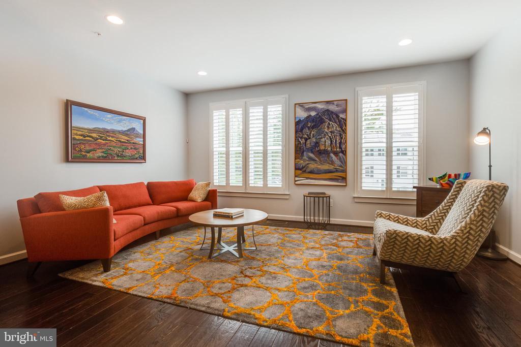 Living Room - 5717 11TH ST N, ARLINGTON