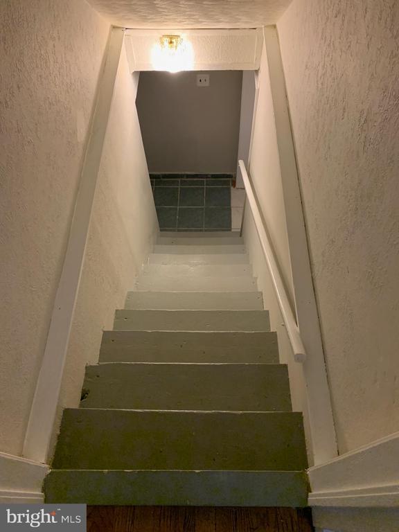 STAIRS TO BASEMENT - 3508 LANCER DR, HYATTSVILLE