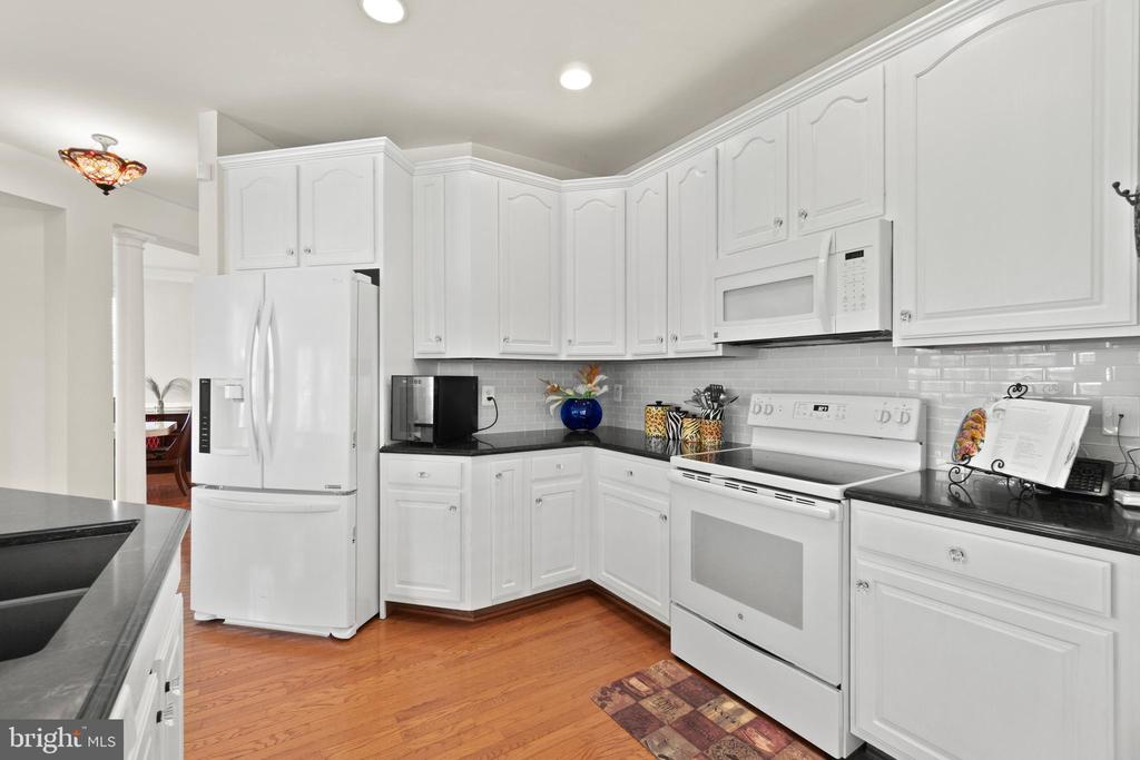 Kitchen - 9434 STILSON DR, MANASSAS