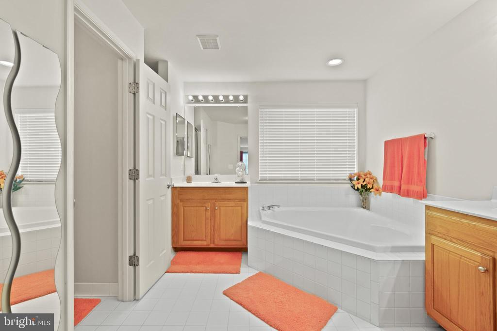 Primary Bath - 9434 STILSON DR, MANASSAS