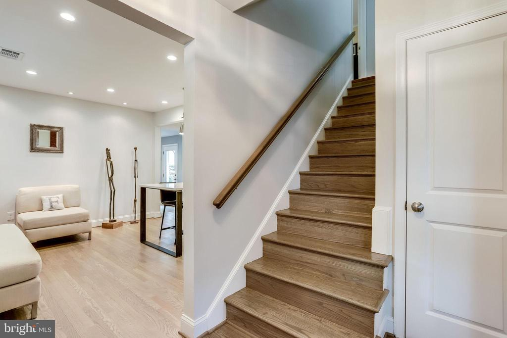 Let's Go Upstairs to the Bedroom Area! - 11914 WAYLAND ST, OAKTON