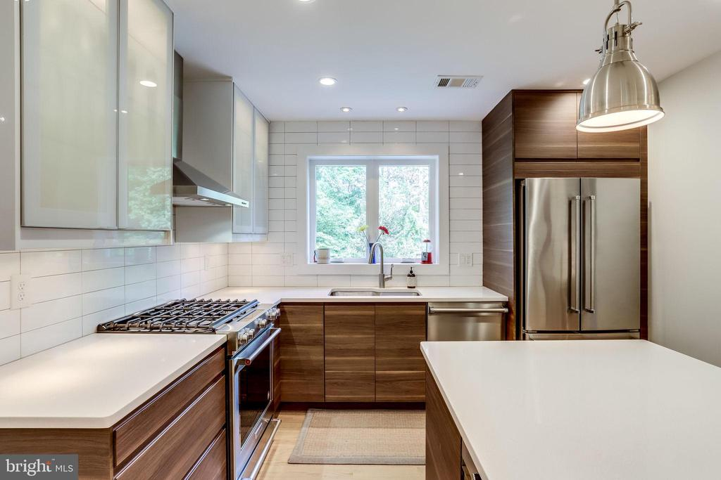 All Stainless Steel Appliances - 11914 WAYLAND ST, OAKTON