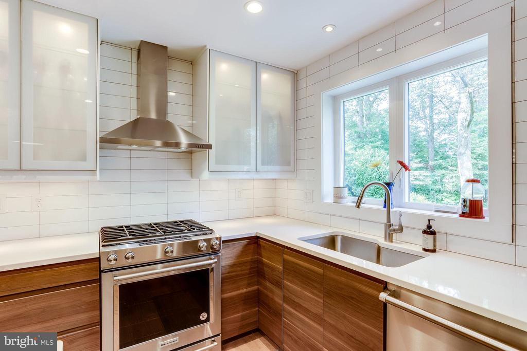 A Chef's Dream! - 11914 WAYLAND ST, OAKTON