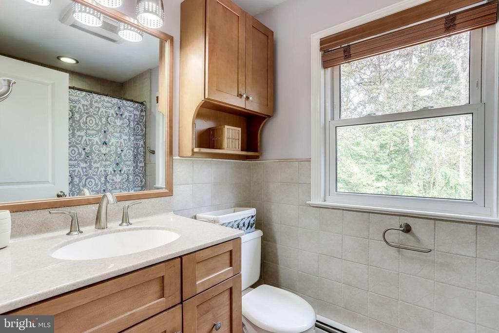 Remodeled Hall Bathroom - 11914 WAYLAND ST, OAKTON