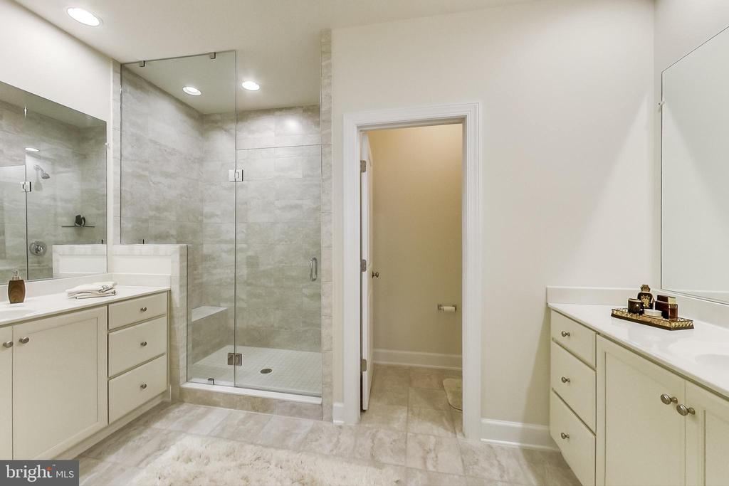 Master Bathroom- Double Vanities - 23148 BROOKSBANK SQ, BRAMBLETON