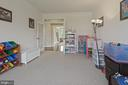 Office or playroom on main level - 20669 PERENNIAL LN, ASHBURN