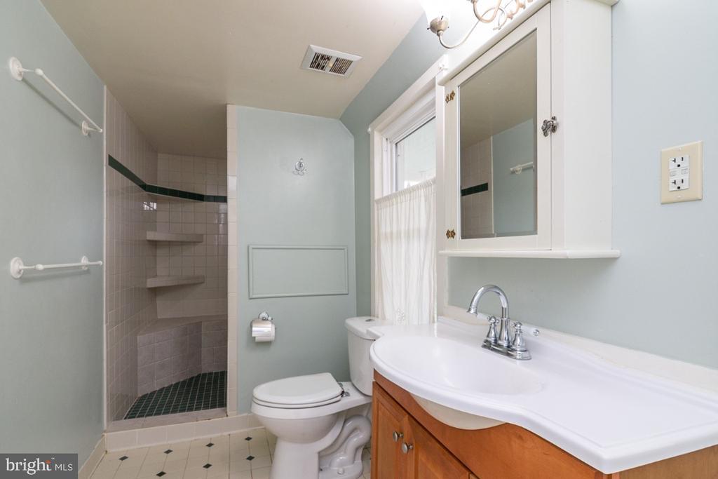 Upgraded Primary Bath - 3635 BUCKEYSTOWN PIKE, BUCKEYSTOWN