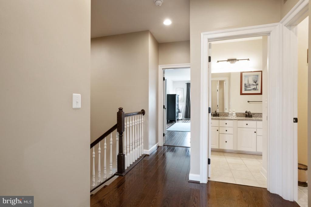3rd level with hardwood flooring - 13730 SENEA DR, GAINESVILLE