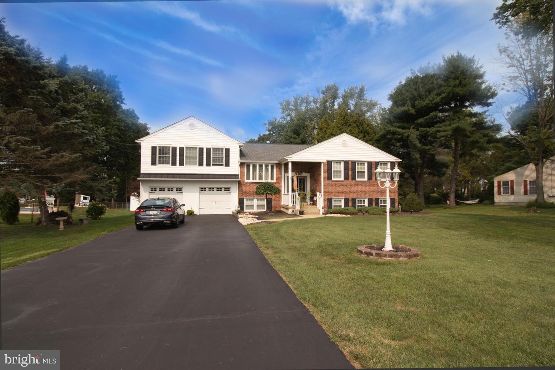 Single Family Homes için Satış at Southampton, Pennsylvania 18966 Amerika Birleşik Devletleri