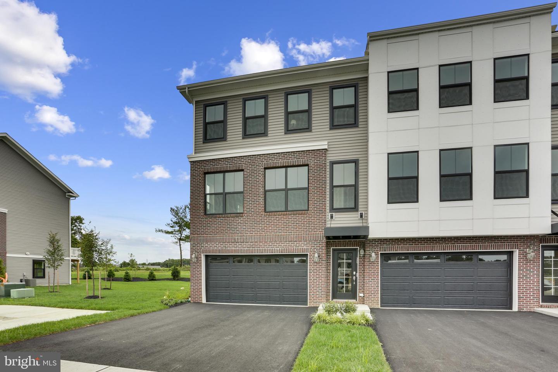 Single Family Homes için Satış at Tinton Falls, New Jersey 07724 Amerika Birleşik Devletleri