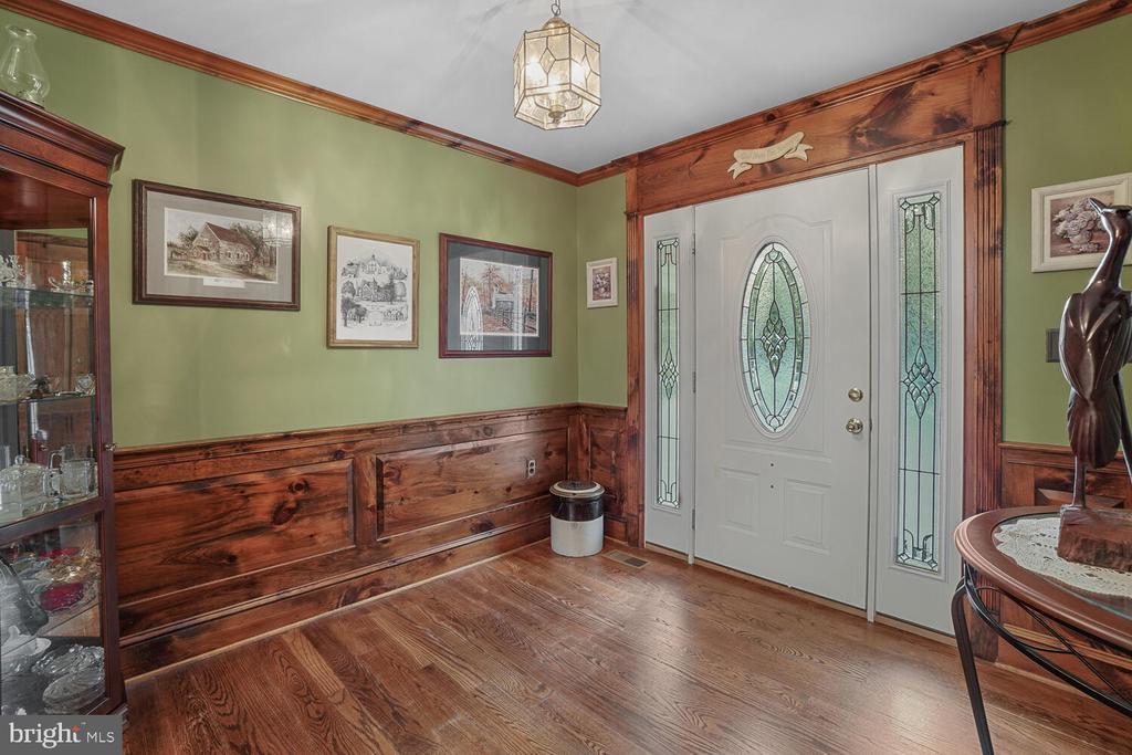 Front door/foyer - 11829 CASH SMITH RD, KEYMAR