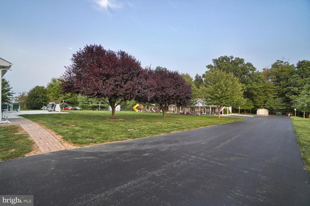 Driveway to learning center/daycare - 11829 CASH SMITH RD, KEYMAR