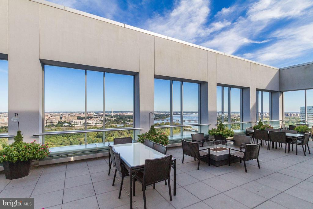 Spectacular rooftop terrace - 1111 19TH ST N #1706, ARLINGTON