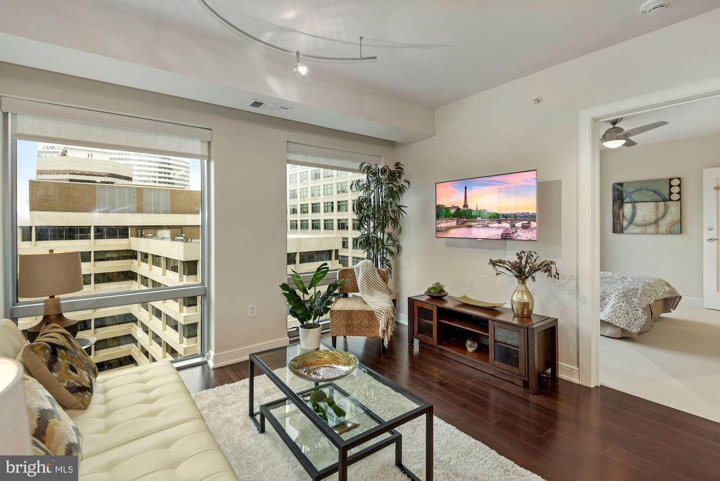 Floor-to-ceiling windows - 1111 19TH ST N #1706, ARLINGTON