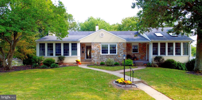 Single Family Homes vì Bán tại Dresher, Pennsylvania 19025 Hoa Kỳ