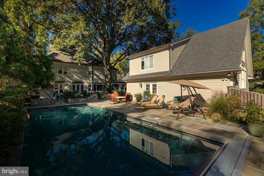 Beautiful Backyard - 3629 N VERMONT ST, ARLINGTON