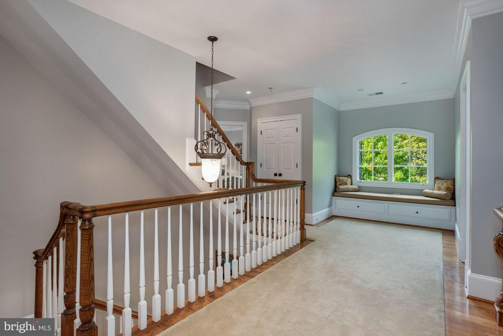 Second Level Landing - 3629 N VERMONT ST, ARLINGTON