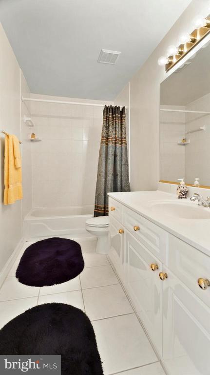 Level 3 Bath(#4 of 5)-Own Living space>most condos - 1414 WYNHURST LN, VIENNA