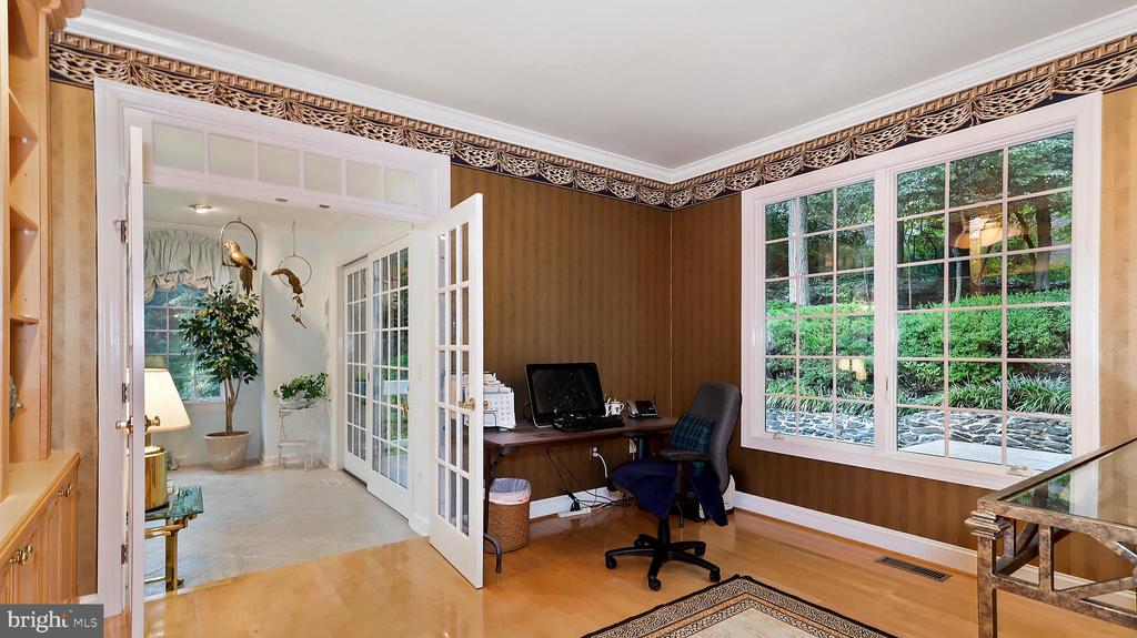 Formal Study:Large windows for view of landscaping - 1414 WYNHURST LN, VIENNA