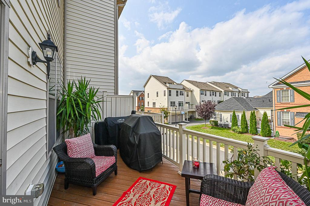 Deck from the living room - 43213 DEPASCALE SQ, ASHBURN