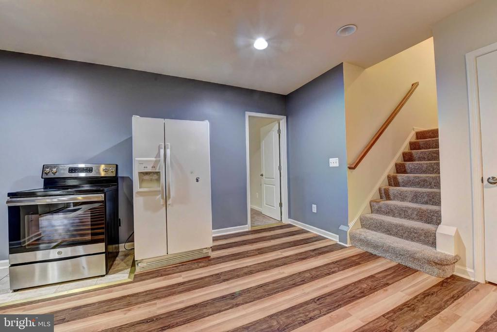 Basement Stairs - 42340 ABNEY WOOD DR, CHANTILLY