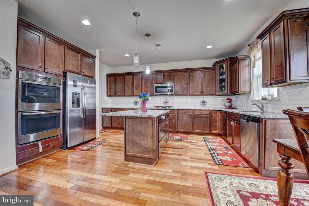 Kitchen Area - 42340 ABNEY WOOD DR, CHANTILLY